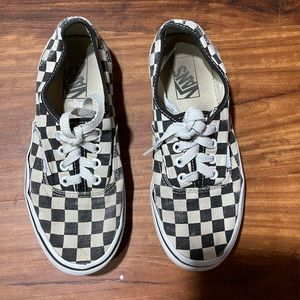 Vans White/Black Checkered Lace Up Doheny Sneakers